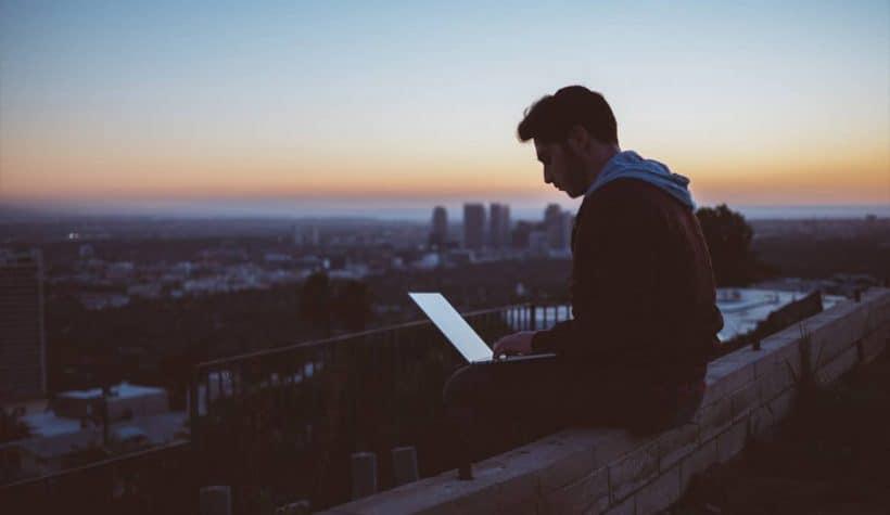 Estudiar oposiciones online: descubre cómo hacerlo
