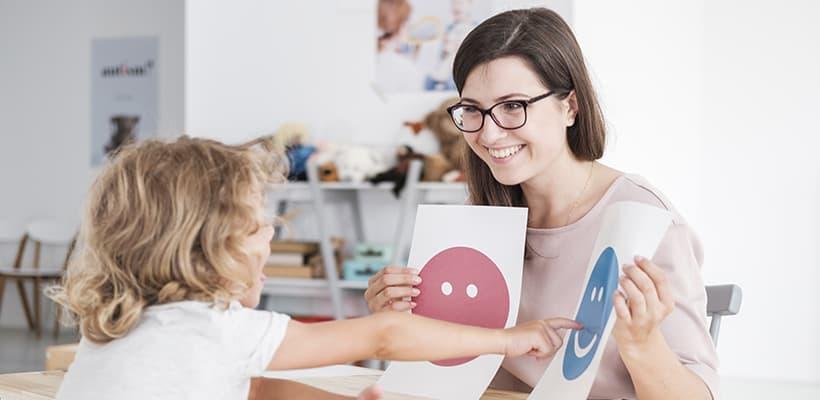 requisitos oposiciones maestro pedagogía terapéutica